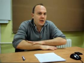 Kadr z nagrania seminarium z udziałem Martina Holbraada