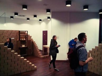 Instalacja w ramach wystawy Cargo/niematerialność