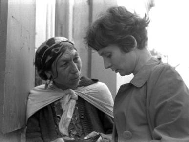 Anna Zadrożyńska rozmawia z Cyganką